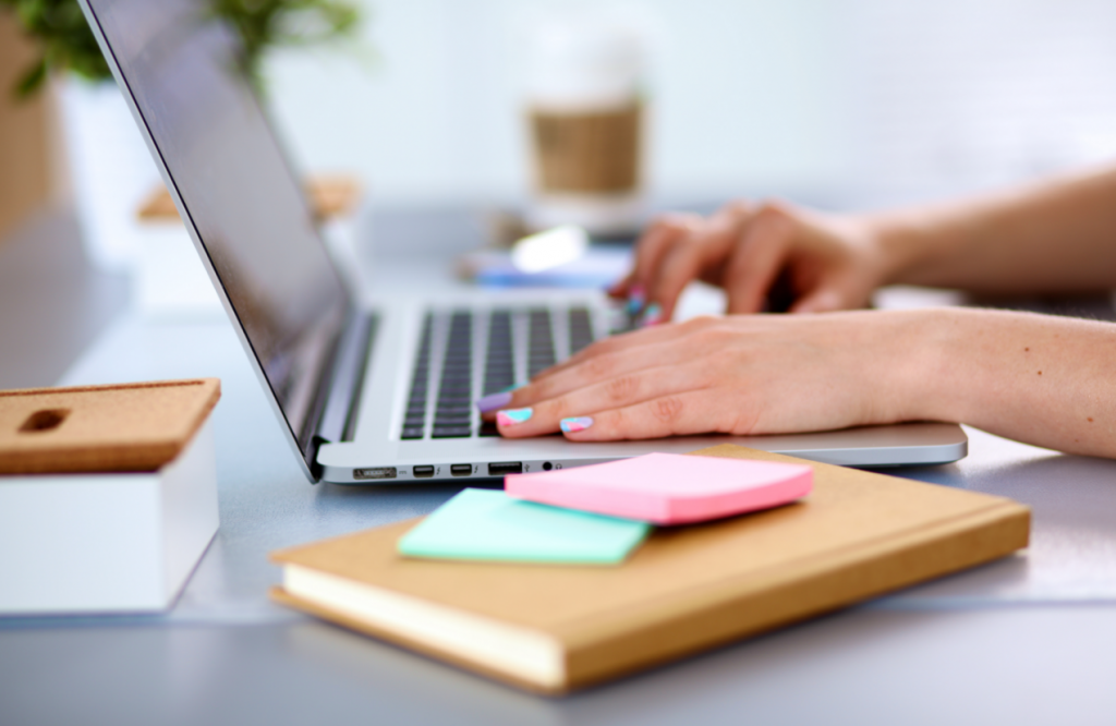 Pros And Cons Of Working With A Real Estate Virtual Assistant